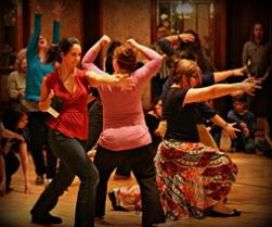 танцевально двигательная терапия фото