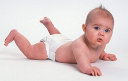 развитие ребенка по месяцам до года фото